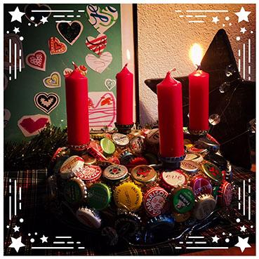 Kronkorken Adventskranz mit Kerzen