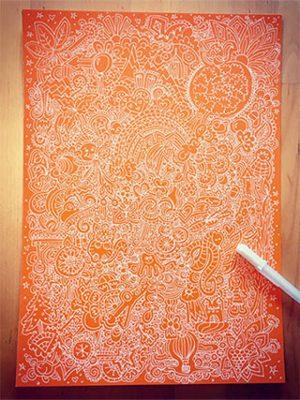 Doodle Weiss auf Orange