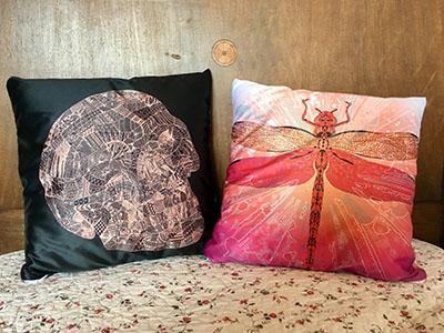 Kissen Skull und Kissen Libelle